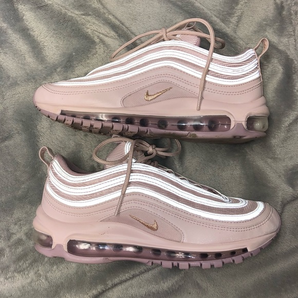 9e6d62d53c8 Women s Nike Air Max 97 barely rose size 7.5. M 5c01b50fdf0307eb3edb36bb